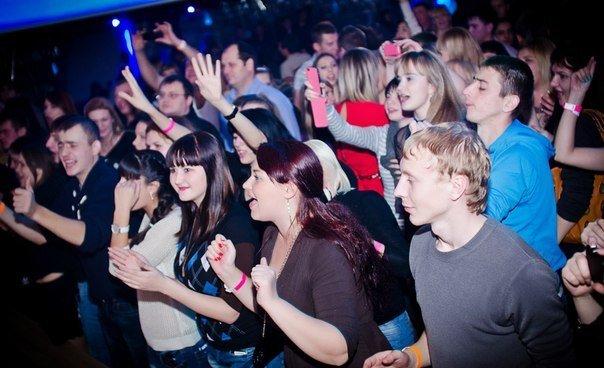 Ночные клубы ростова на дону западный барменом в ночном клубе