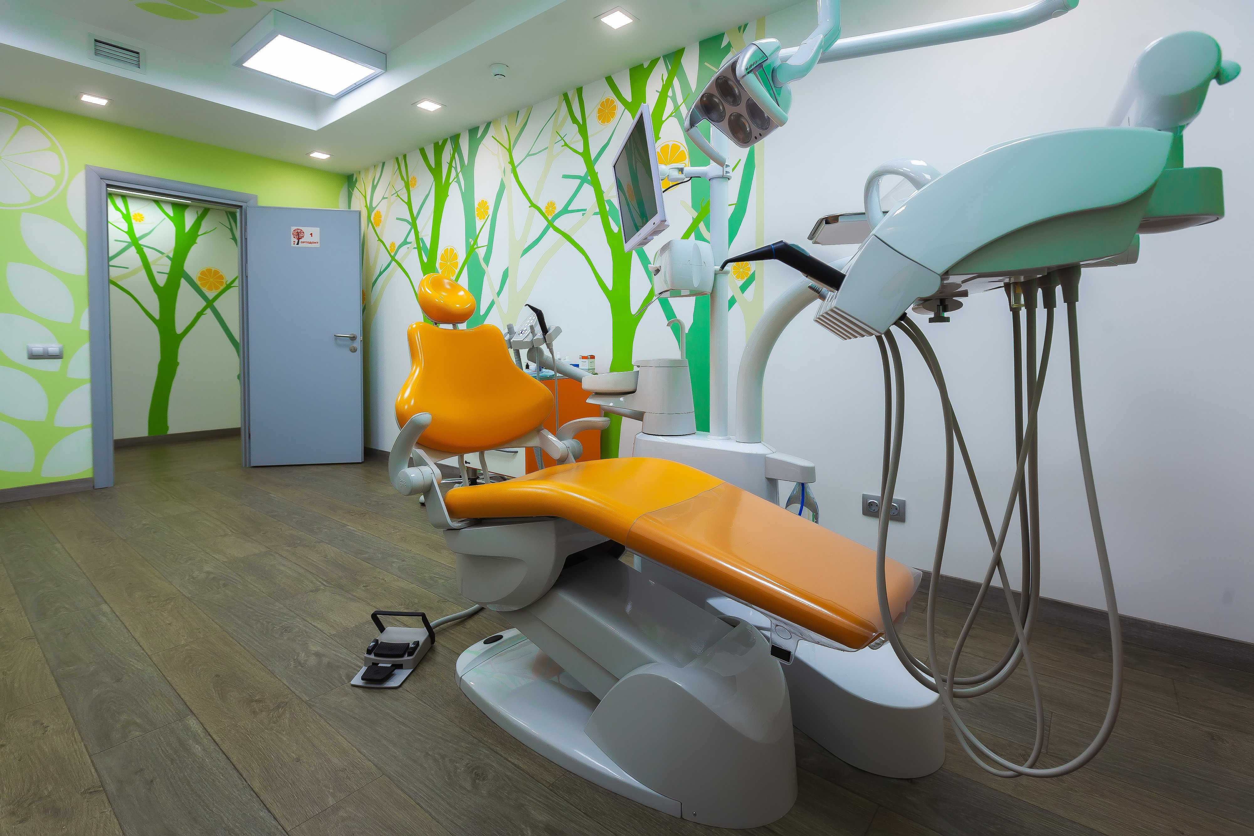 Лазерное отбеливание зубов в поликлинике