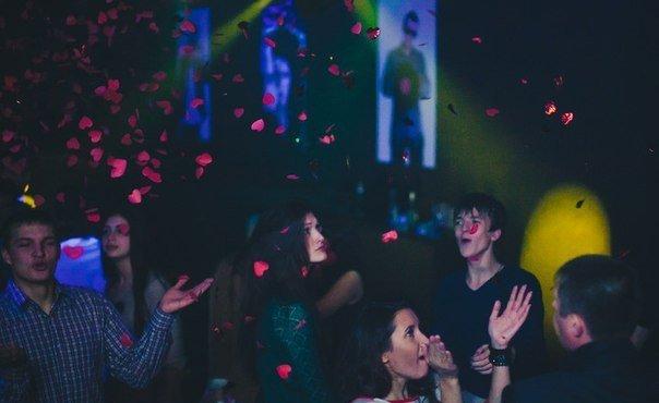 Ночные клубы в златоусте фон ночной клуб
