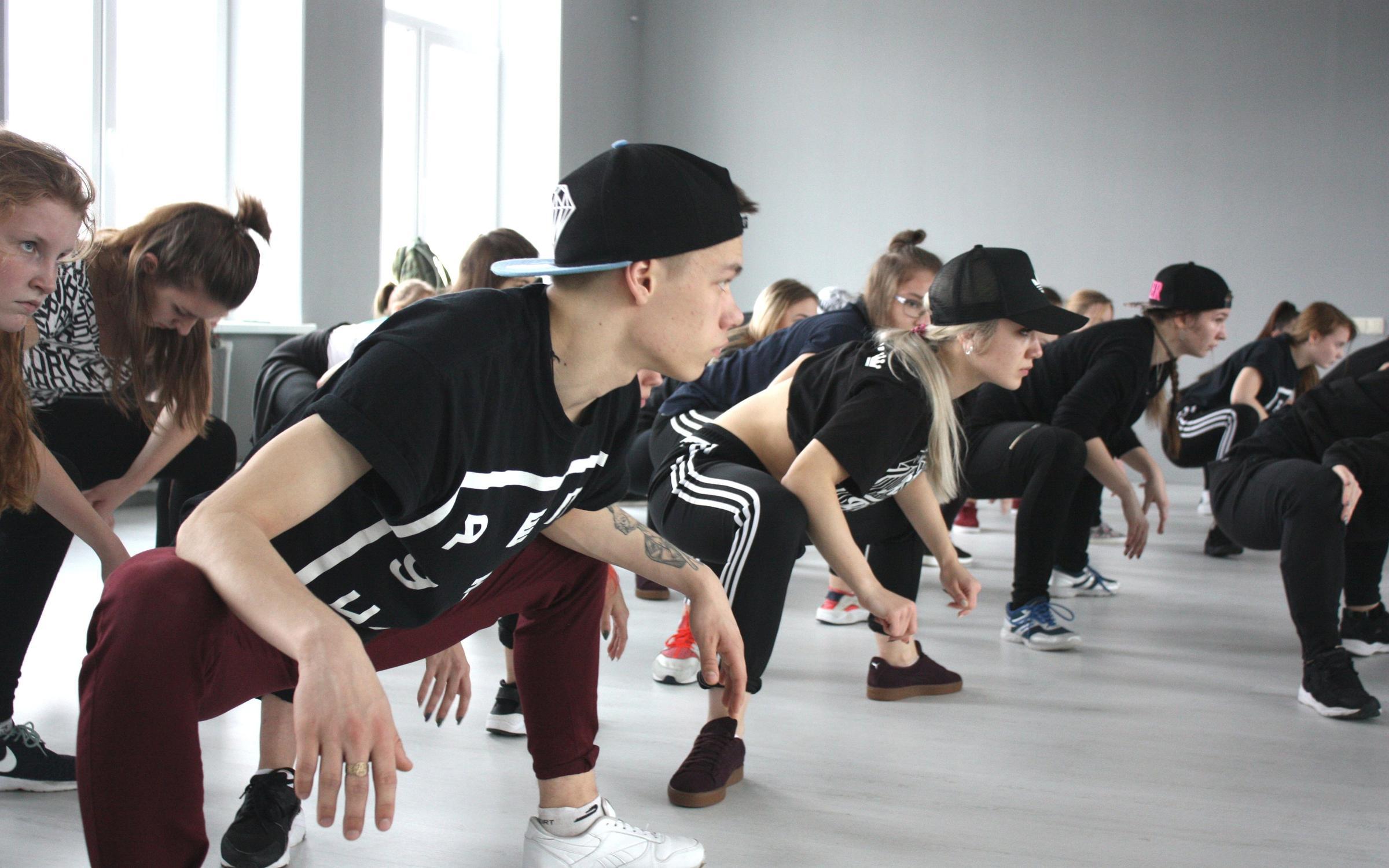 фотография Танцевальной студии MADFLAT на улице Есенина