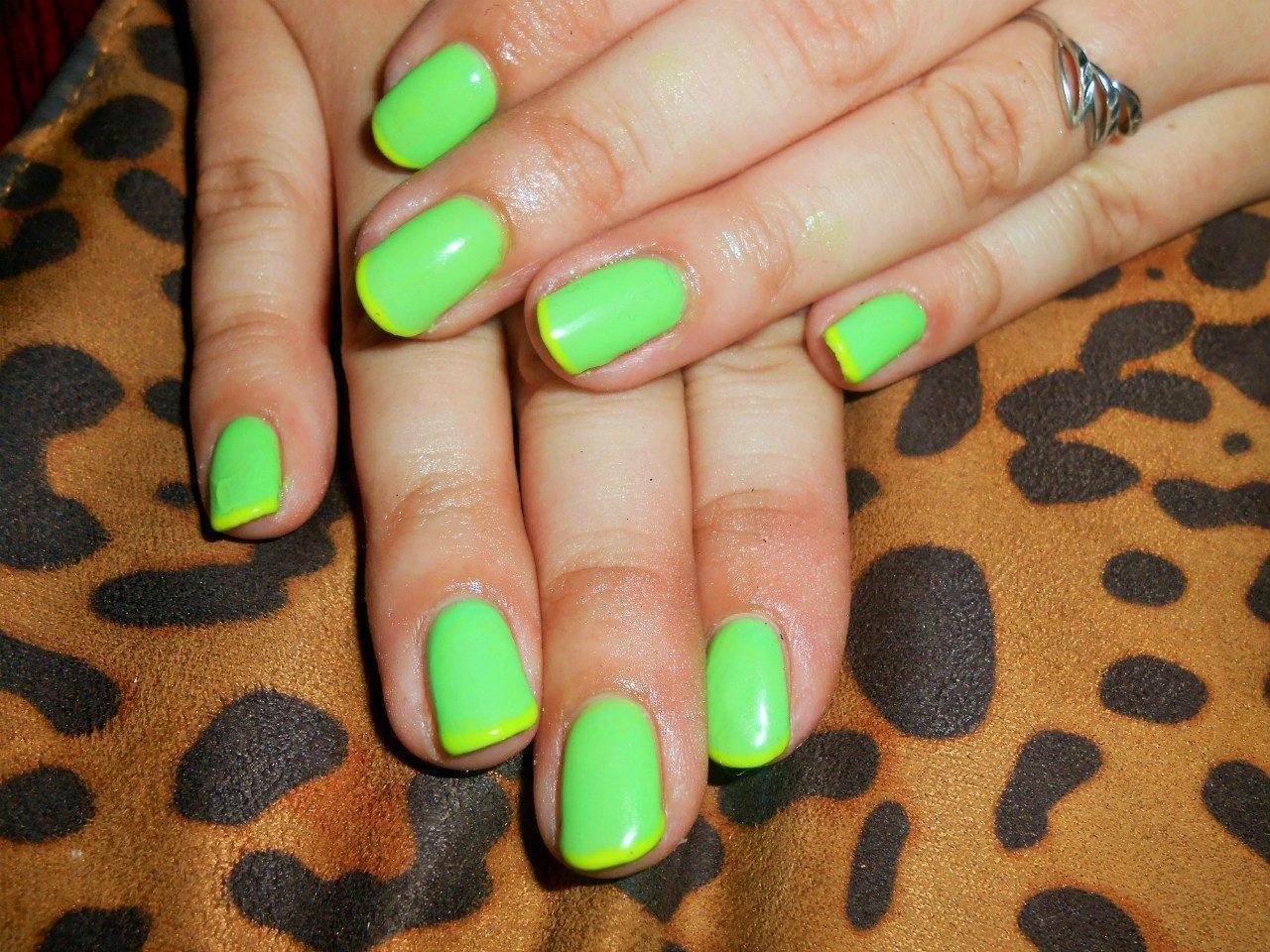 Нарощенные ногти кислотных цветов фото