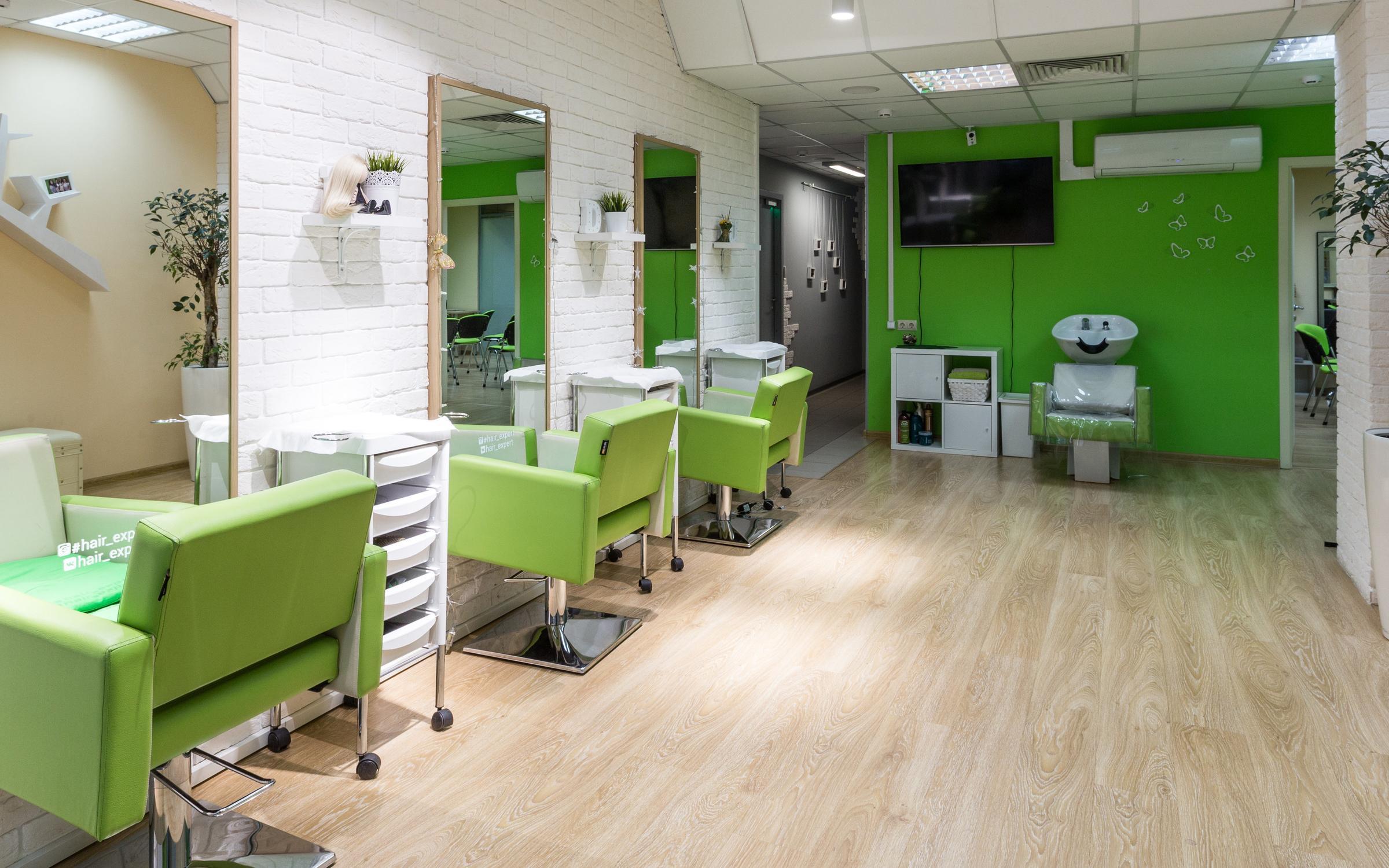 фотография Школа-студия по лечению, восстановлению и преображению волос Hair expert на улице Ленинская Слобода, 19
