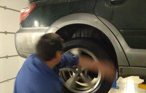 фотография Снятие и установка колеса R17
