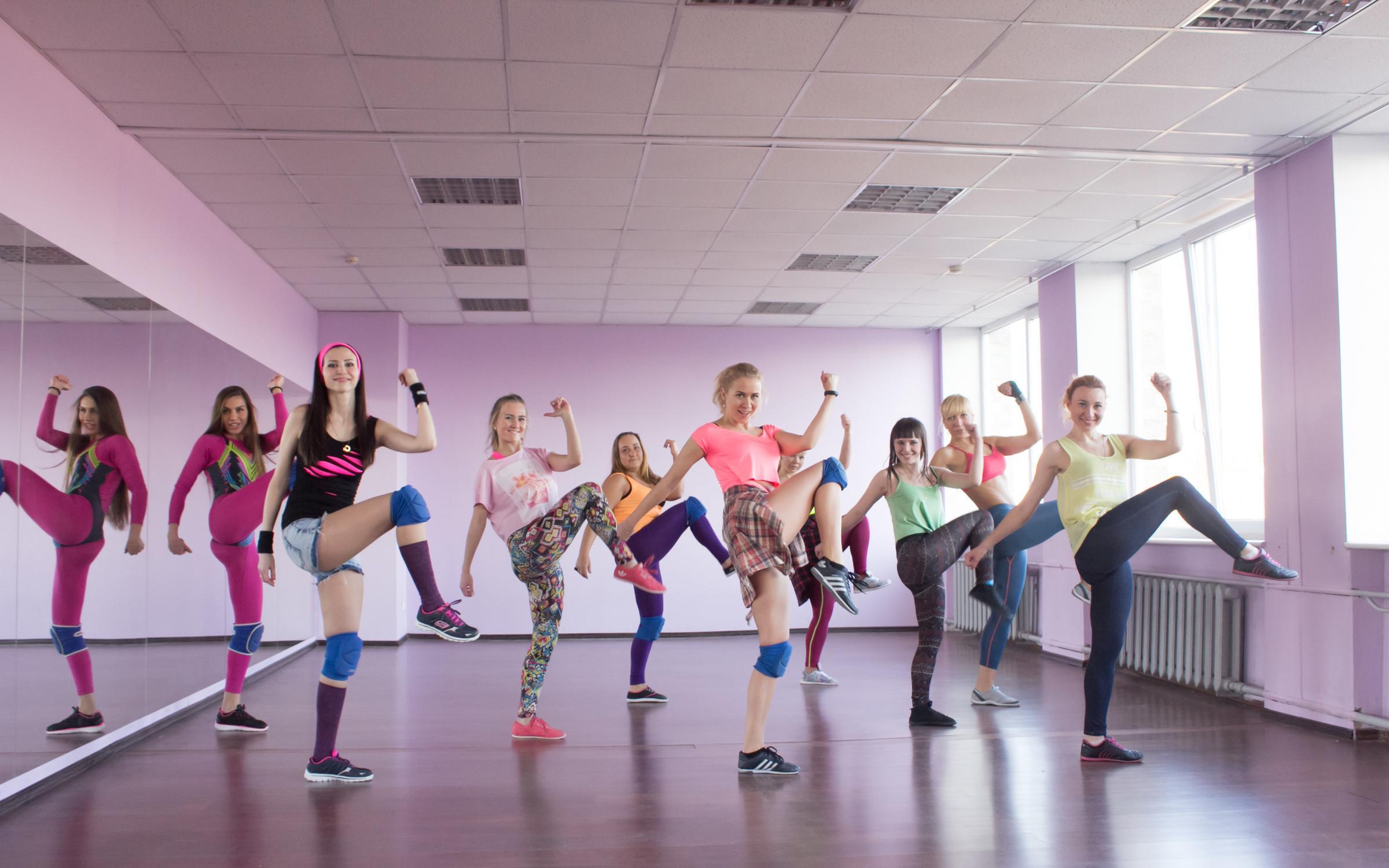 фотография Центр танца и фитнеса Diamond на улице Генерал-лейтенанта Озерова