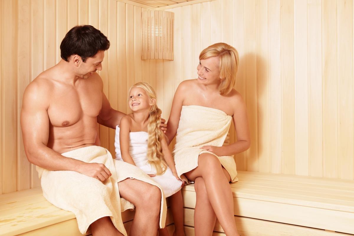 Секс со зрелой в сауне