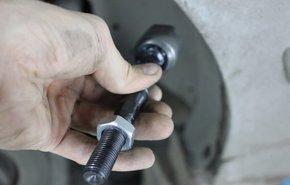 фотография Замена рулевой тяги