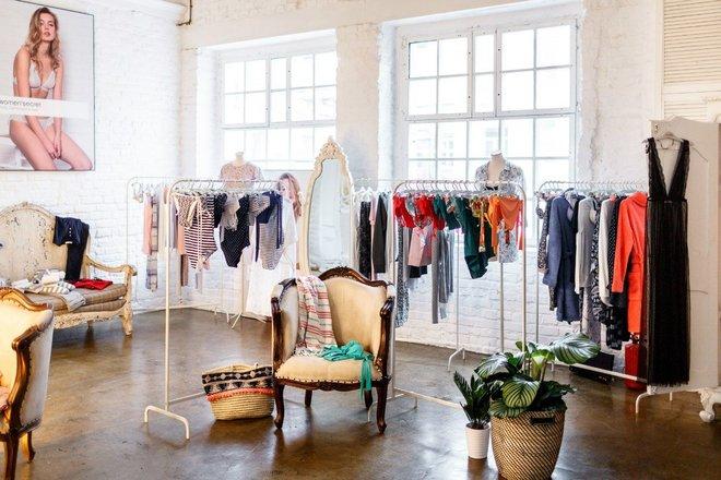 Магазин женского белья на парнасе фото красивых девушек кружевном белье