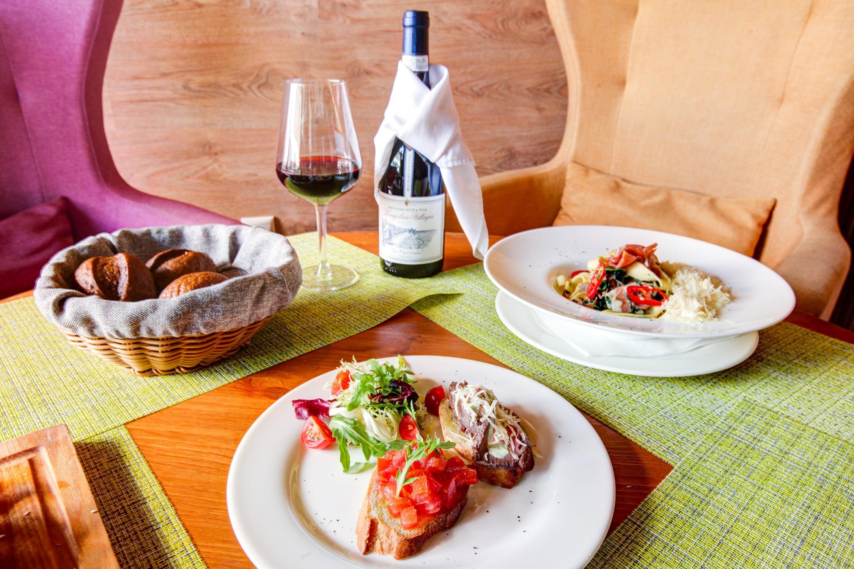 фотография Итальянского кафе La Basilico на улице Анны Ахматовой
