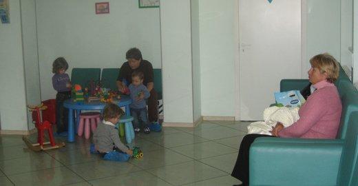 Почему в детской поликлинике платный логопед