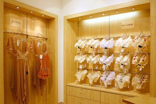 Салон женского белья в москве женское нижнее белье комплект интернет