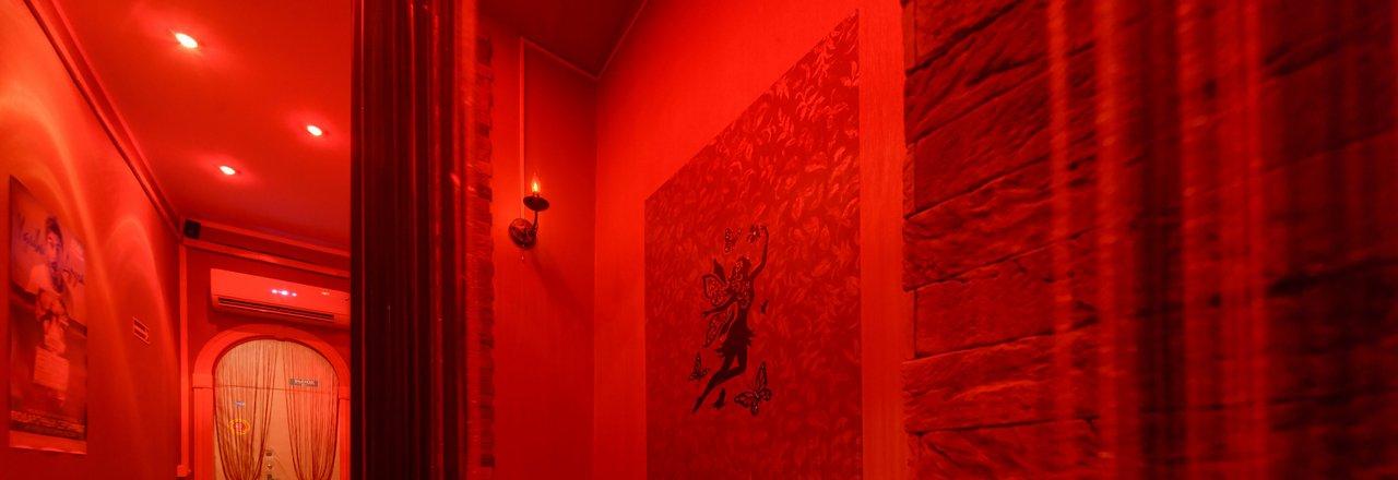 Салоны эротического массажа в москве все адреса эротический массаж видео точка g