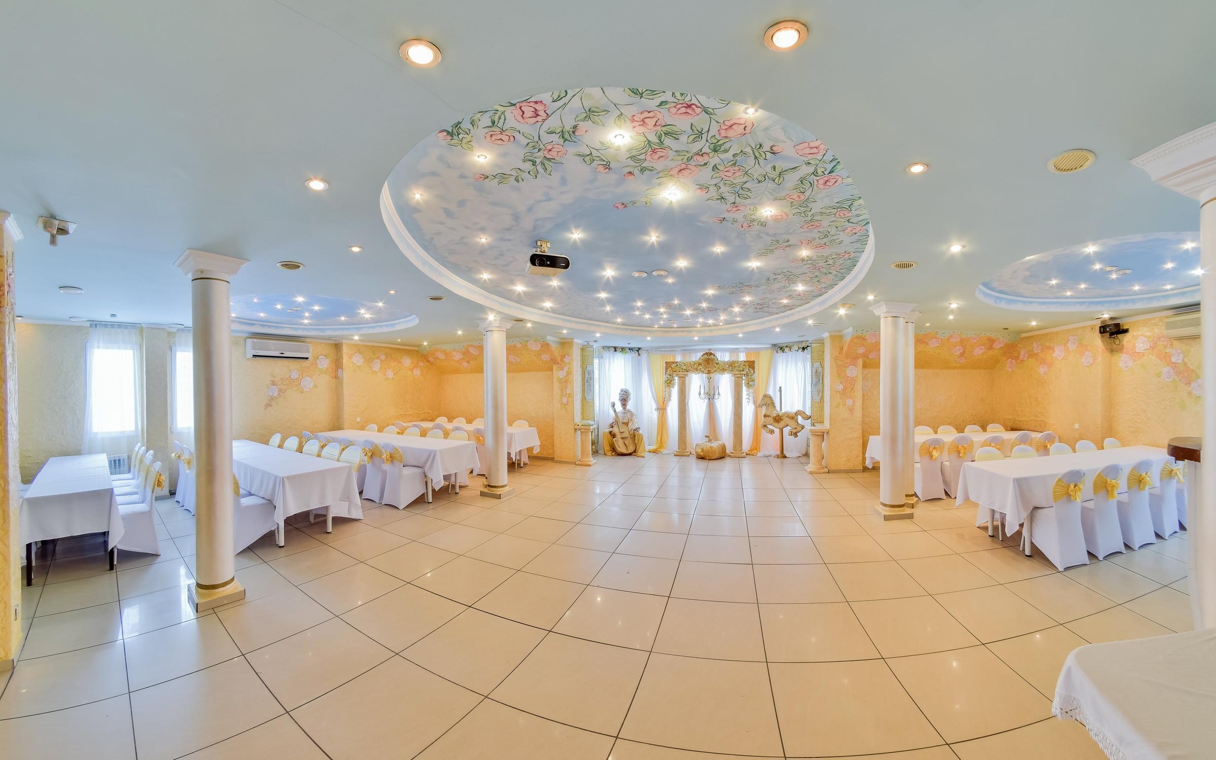 фотография Банкетного зала Поляна на проспекте Комарова