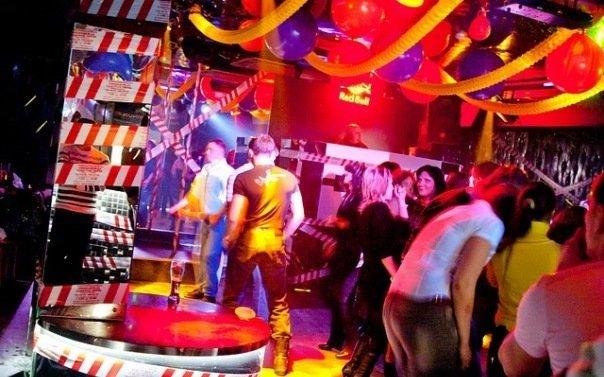 Стриптиз клуб зеленоград ночные клубы в барнауле 2021