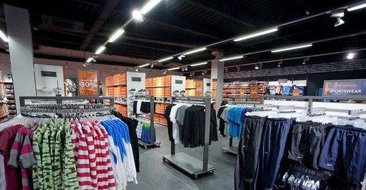 29f83c1a4d8a Фирменный магазин Nike в ТЦ Сафа - отзывы, фото, каталог товаров ...