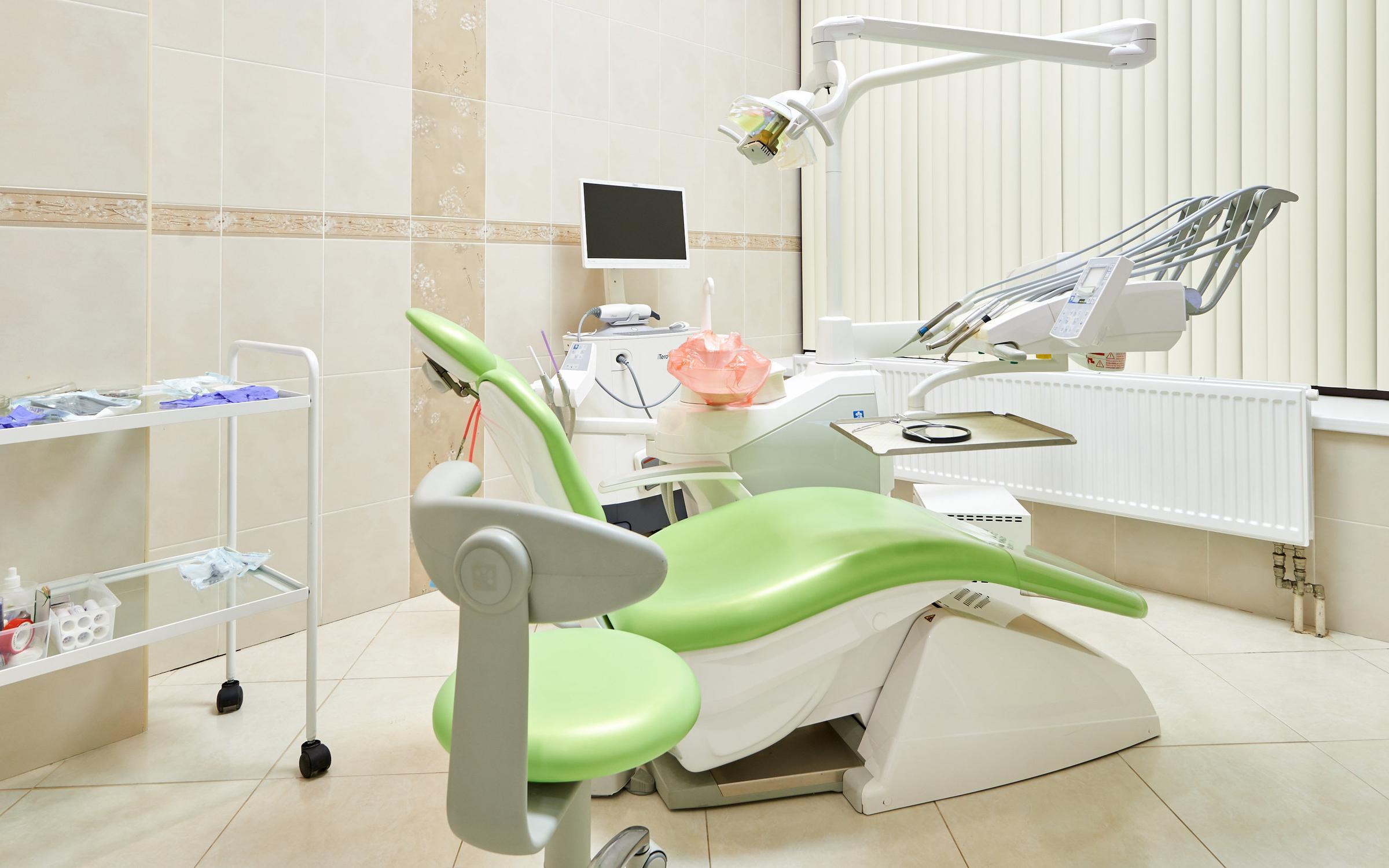 фотография Центра имплантации и стоматологии ИНТАН в Кудрово на Ленинградской улице