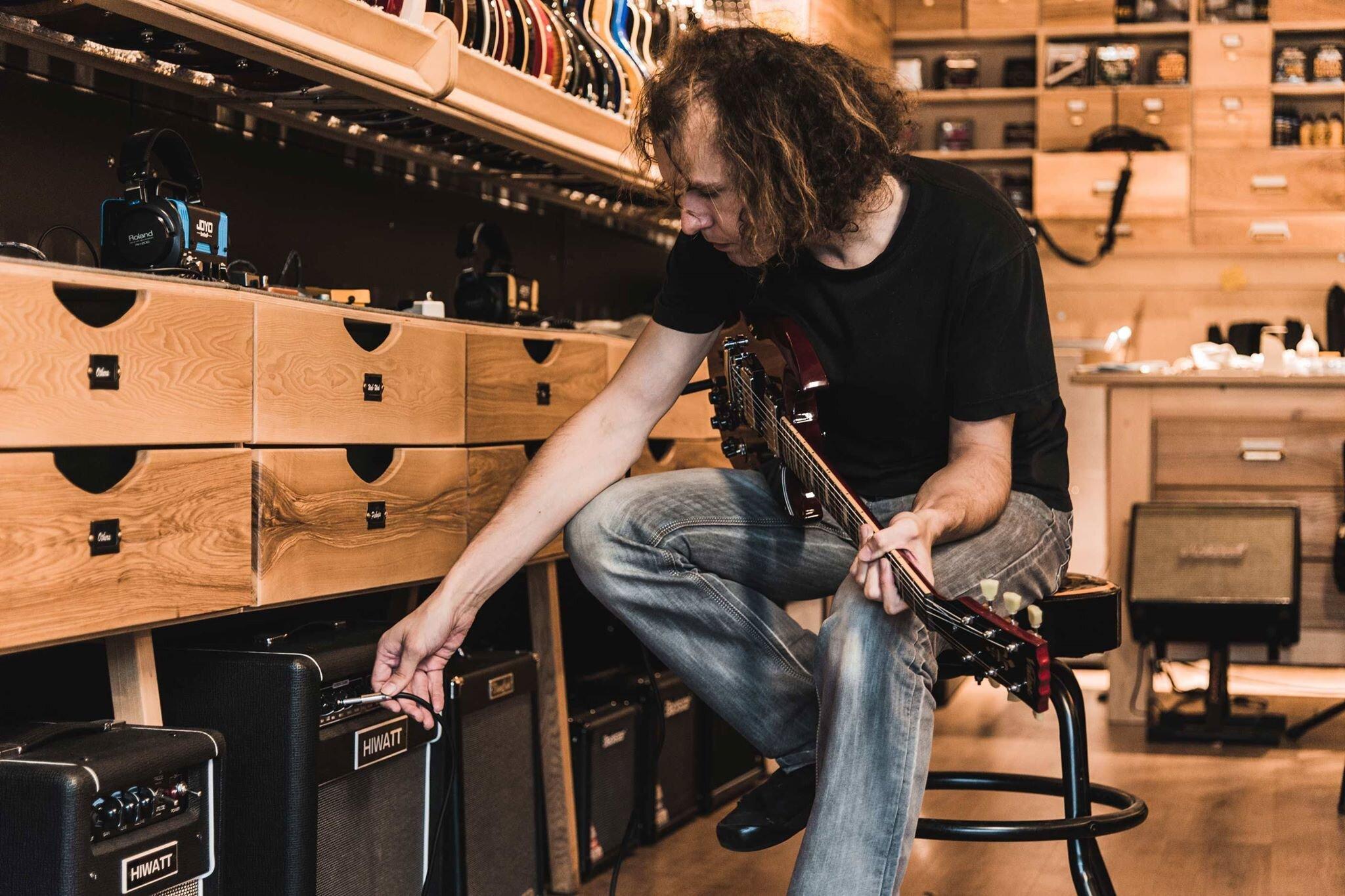 Магазин гитарный клуб в москве отзывы ночном клубе art
