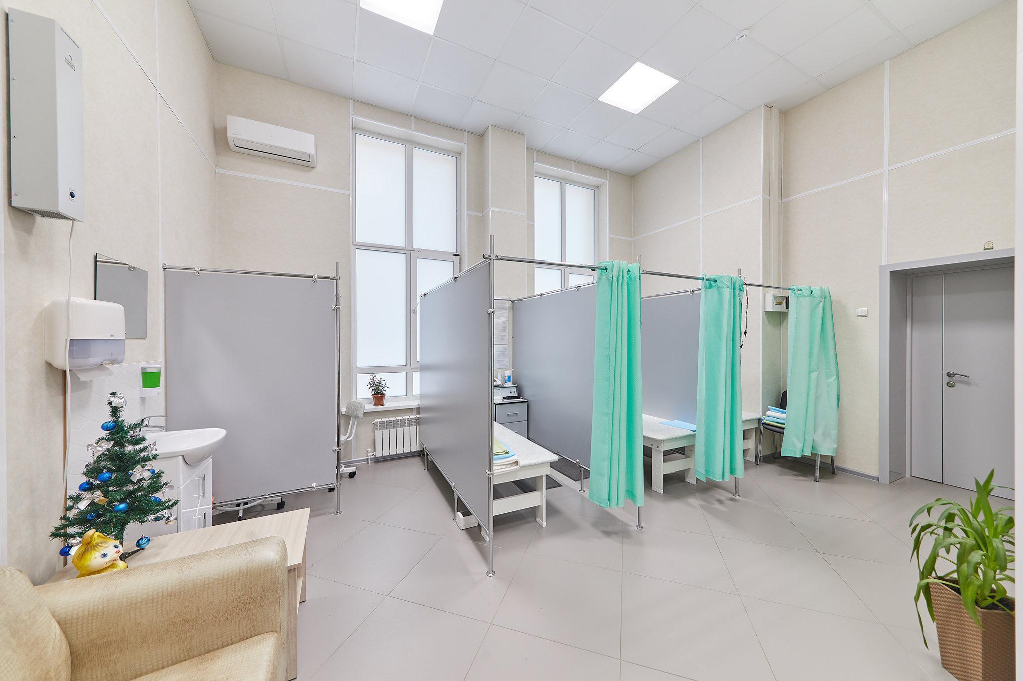 фотография Первый медицинский центр на Рославльской улице в поселке Путевка