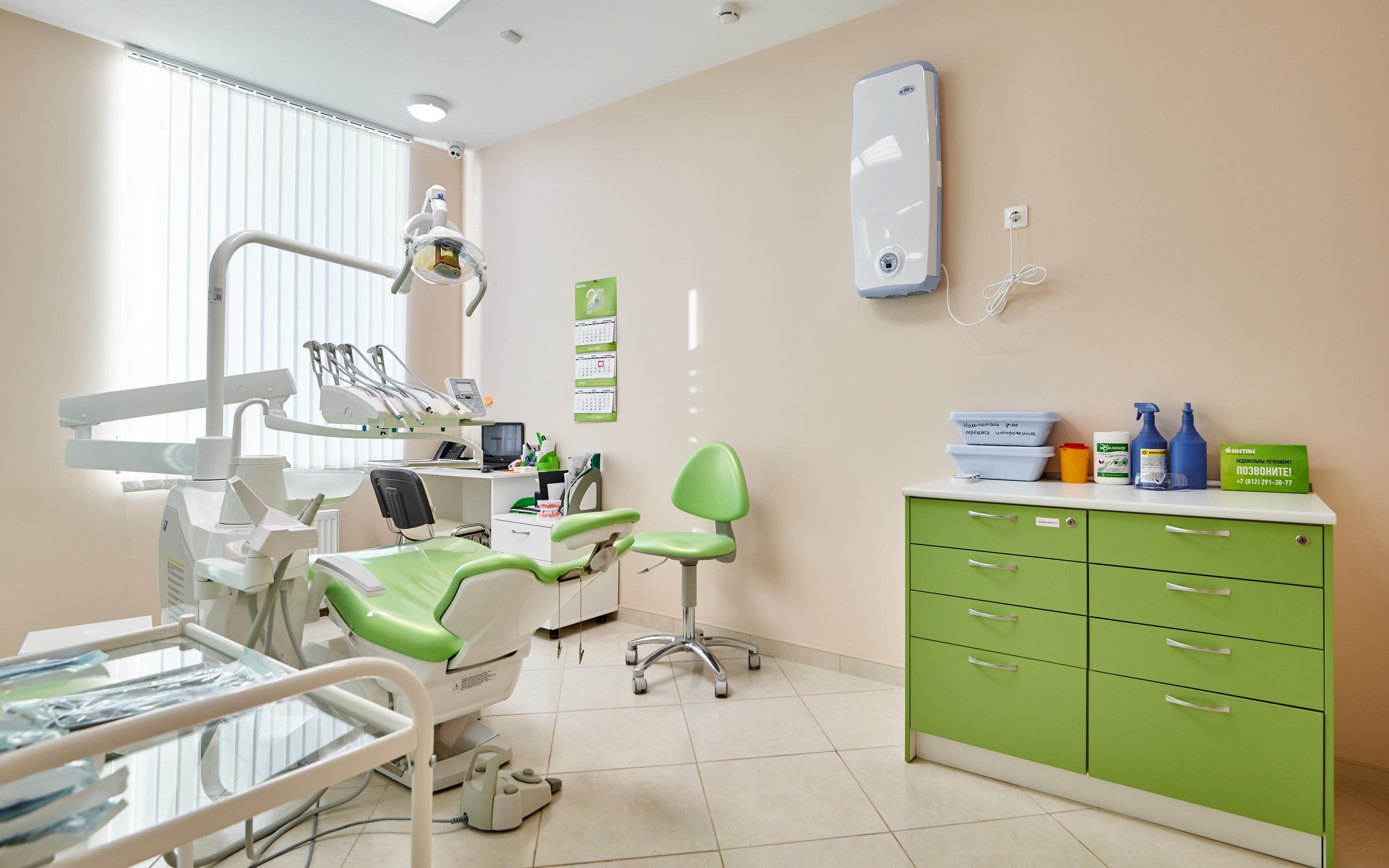 фотография Центра имплантации и стоматологии ИНТАН на Заневском проспекте