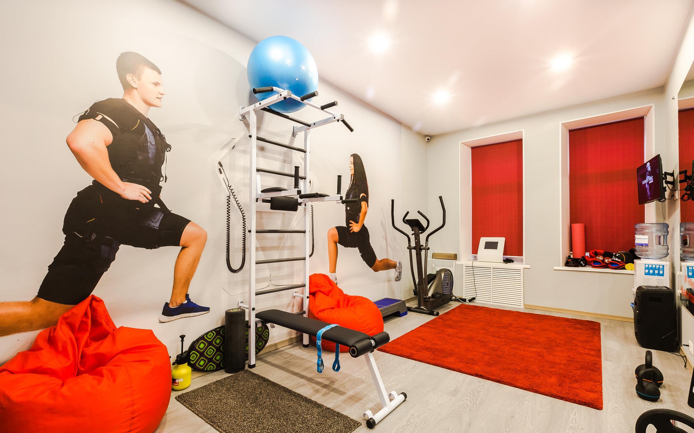 В личном кабинете вы можете записаться за 7 дней до тренировки или за 2 часа до ее начала.
