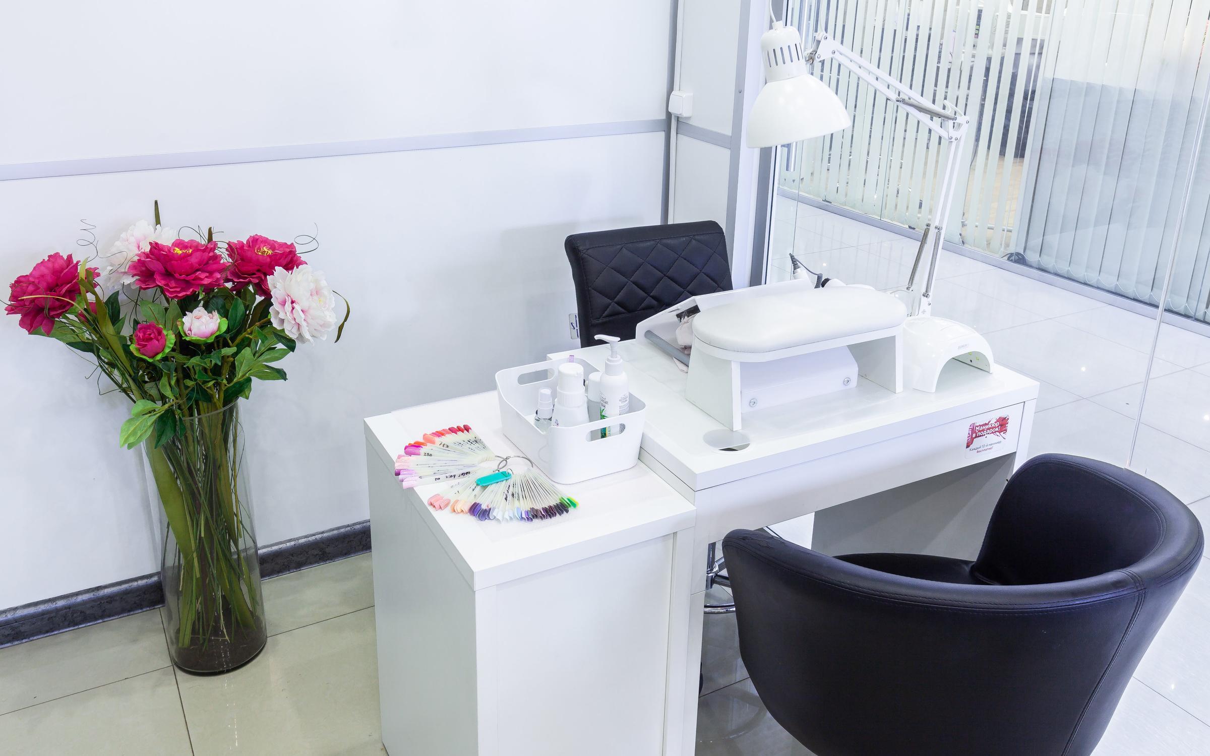 фотография Студии маникюра и красоты Luxe Nails & beauty на метро Проспект Вернадского