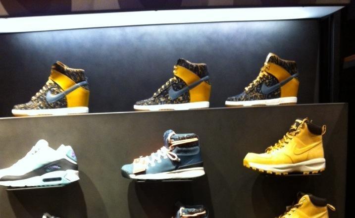 db5032ce Магазин Nike в ТЦ Аура - отзывы, фото, каталог товаров, цены, телефон, адрес  и как добраться - Одежда и обувь - Новосибирск - Zoon.ru