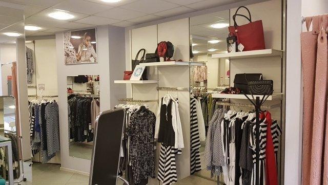 f8ab7ff0 Дисконт-магазин женской одежды Anna Verdi на улице Сикейроса - отзывы,  фото, каталог товаров, цены, телефон, адрес и как добраться - Одежда и  обувь ...